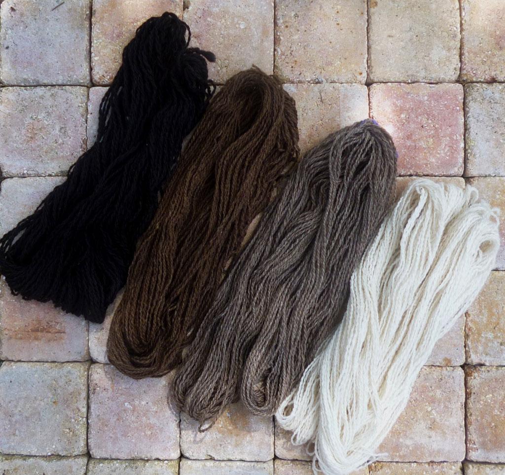 4-colors-yarn